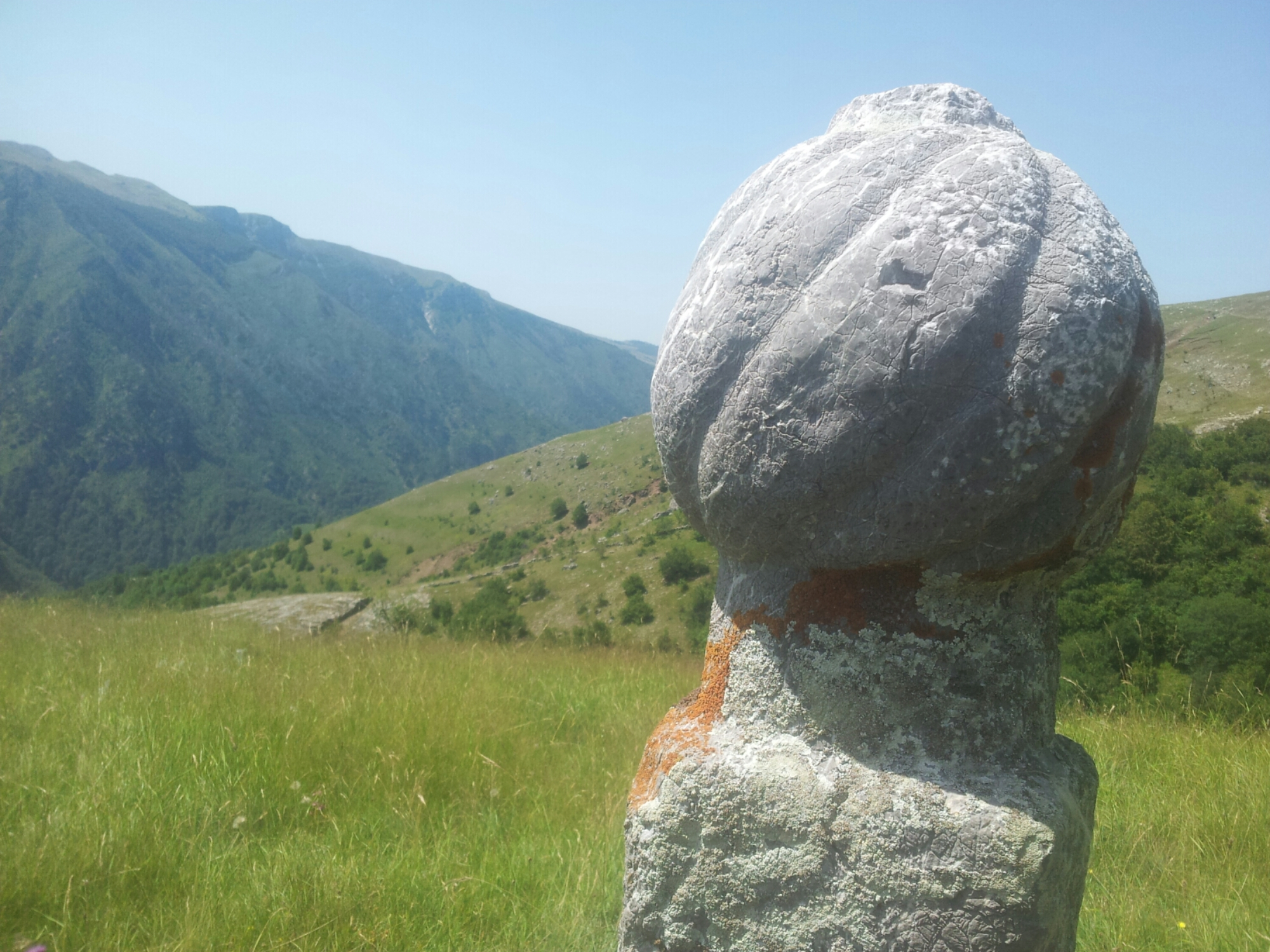 hiking_via_dinarica_to_lukomir_bosnia_herzegovina