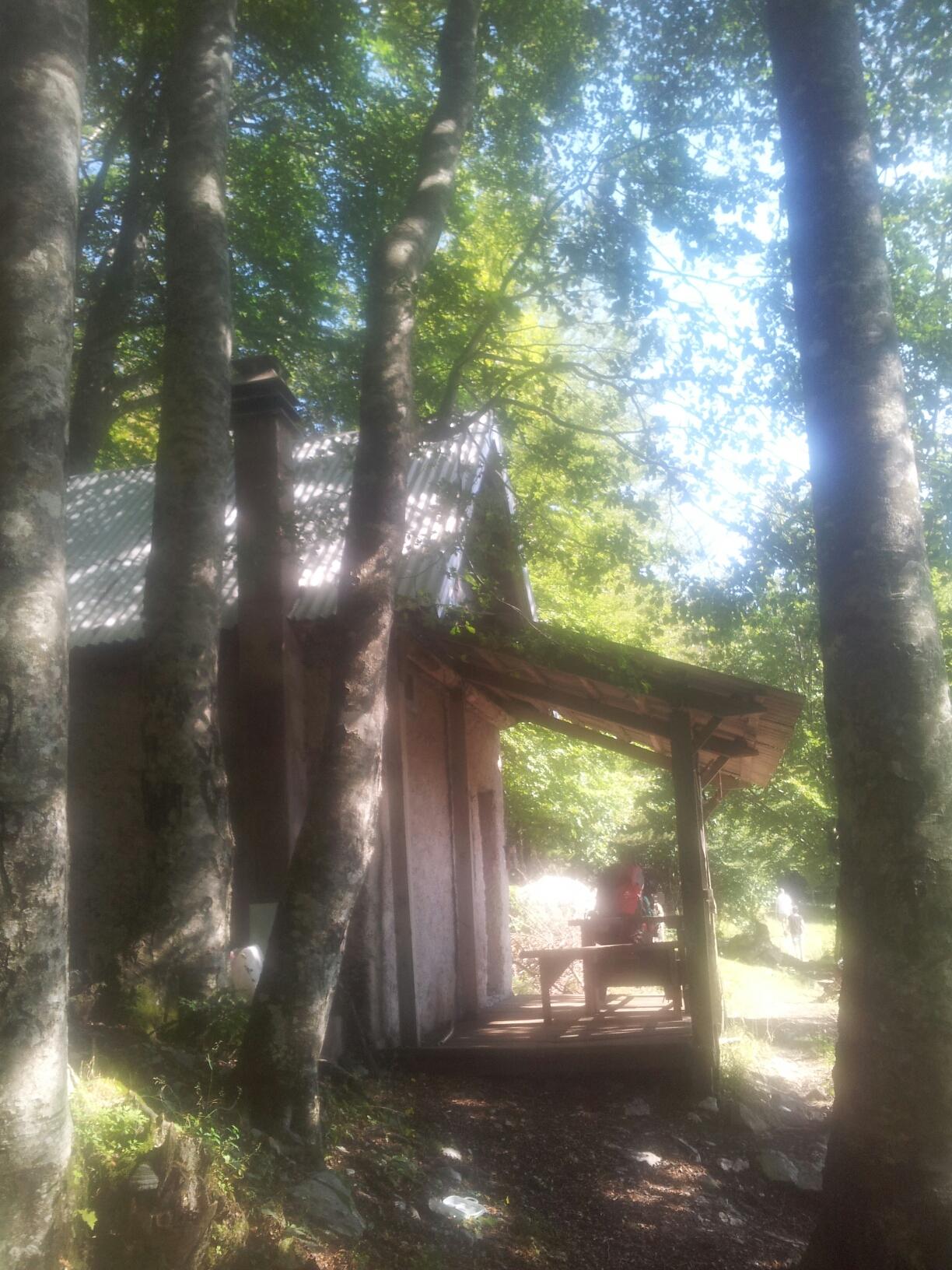 Planinarsko-sklonište-ivine-vodice-paklanica