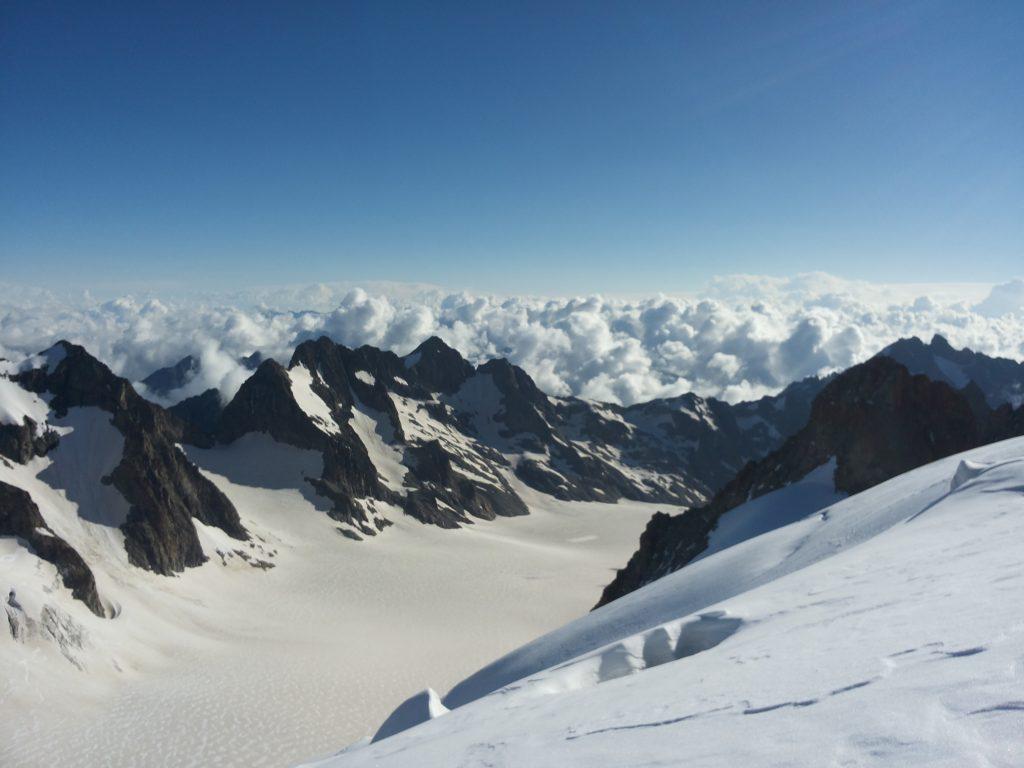 Climbing dom de neige