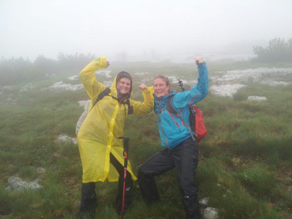 Regenwandeling op Vran tijdens de opening van de Via Dinarica White Trail in Bosnië en Herzegovina
