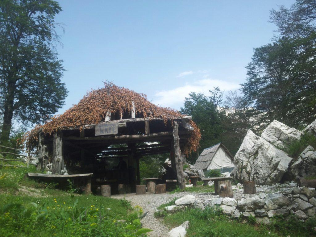 Cafe in de Albaneze bergen