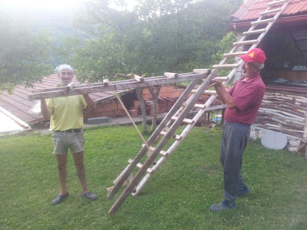 Handige mannen | Treskavica household