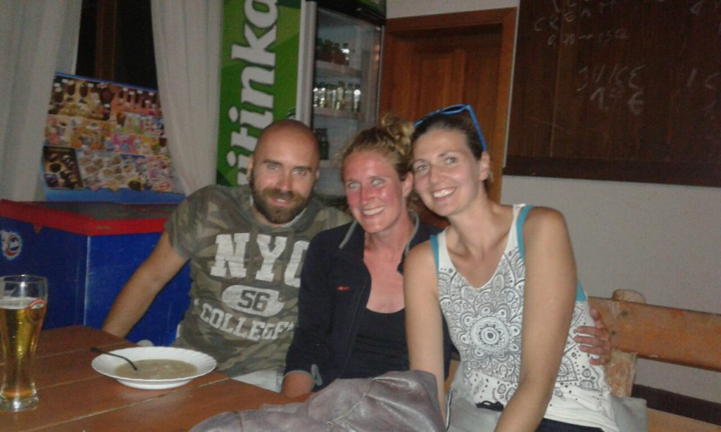 23.30: Safely reunited with my friends Ana and Ogy