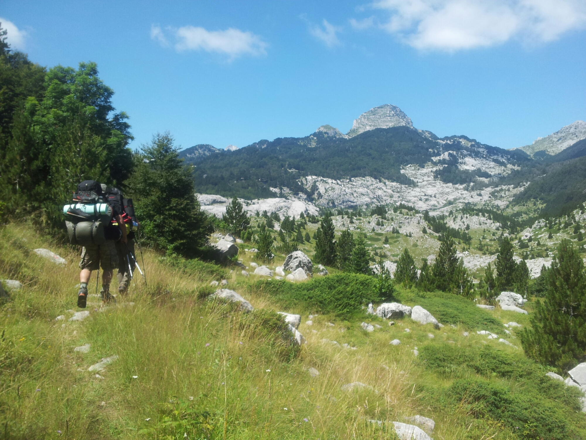 hiking_via_dinarica_white_trail_bosnia_herzegovina_prenj