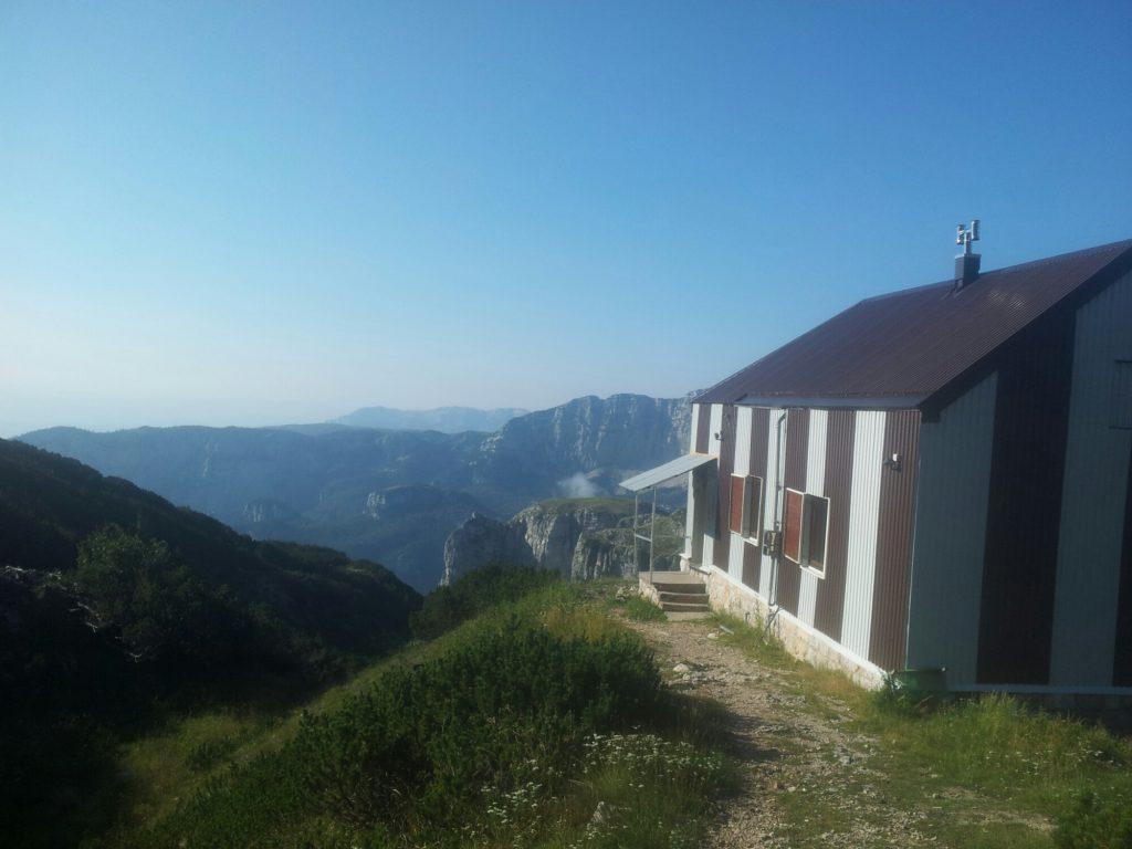 Planinarski Dom Vilinac on Čvrsnica | Via Dinarica in Bosnia and Herzegovina