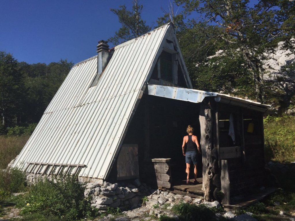 planinarsko-skloniste-struge-paklenica-np-velebit-hiking-trail-via-dinarica-croatia