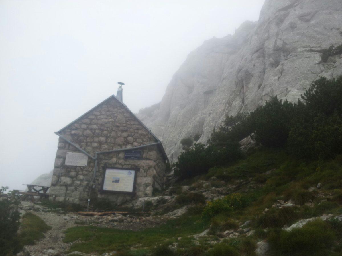 Rossijeva sklonište op de Velebit Trail