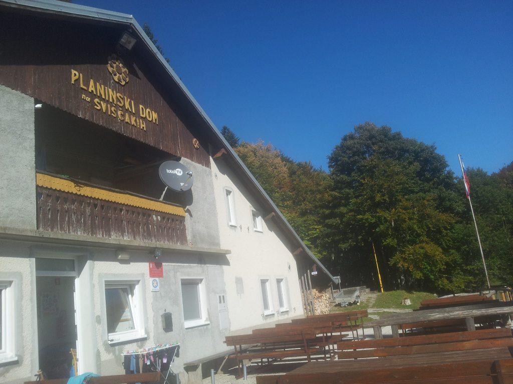Planinski Dom na Sviščakih | Slovenia's Green Karst