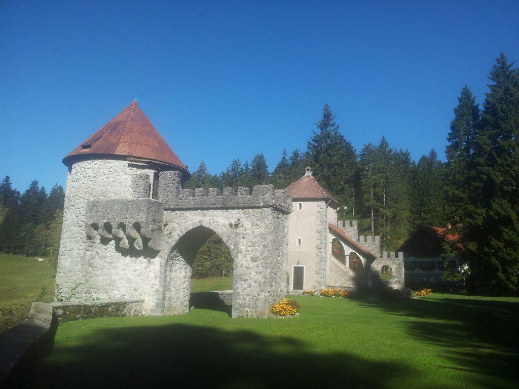 Hiking_via_dinarica_slovenia_green_karst | Slovenias secrets