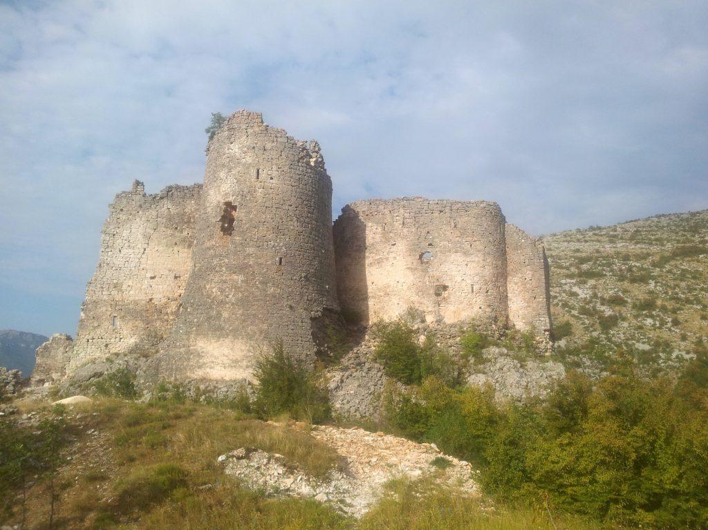 On the way up to Martinova Košara, a shelter at the foot of Dinara