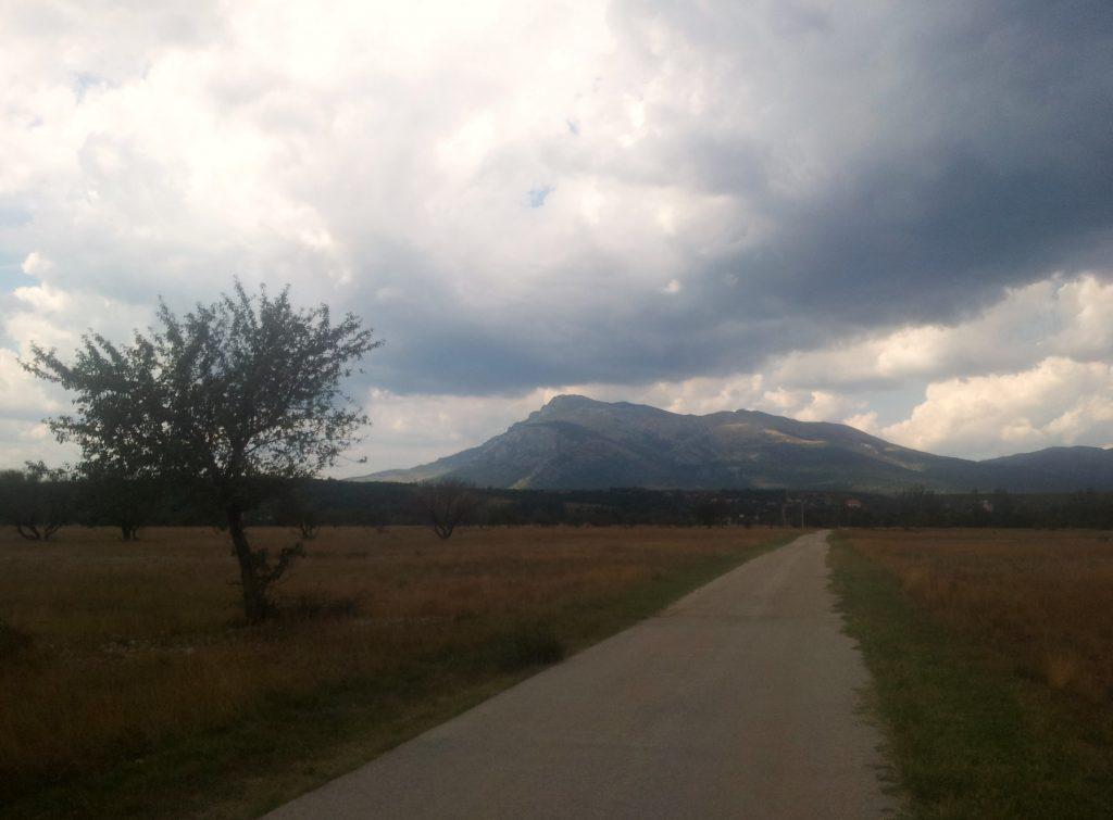 hiking_via_dinarica_white_trail_croatia_dinara