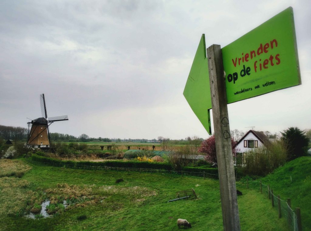 Vrienden op de fiets | Lowbudget Pelgrimeren in Nederland