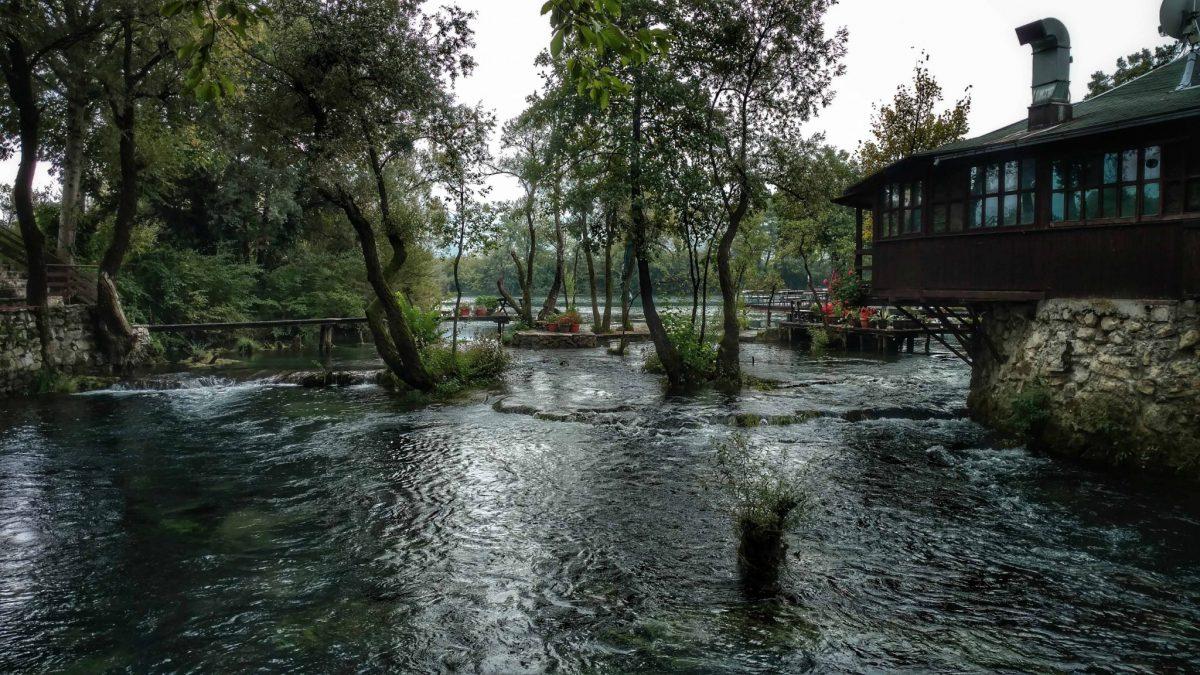 Una rivier in Bosnië en Herzegovina