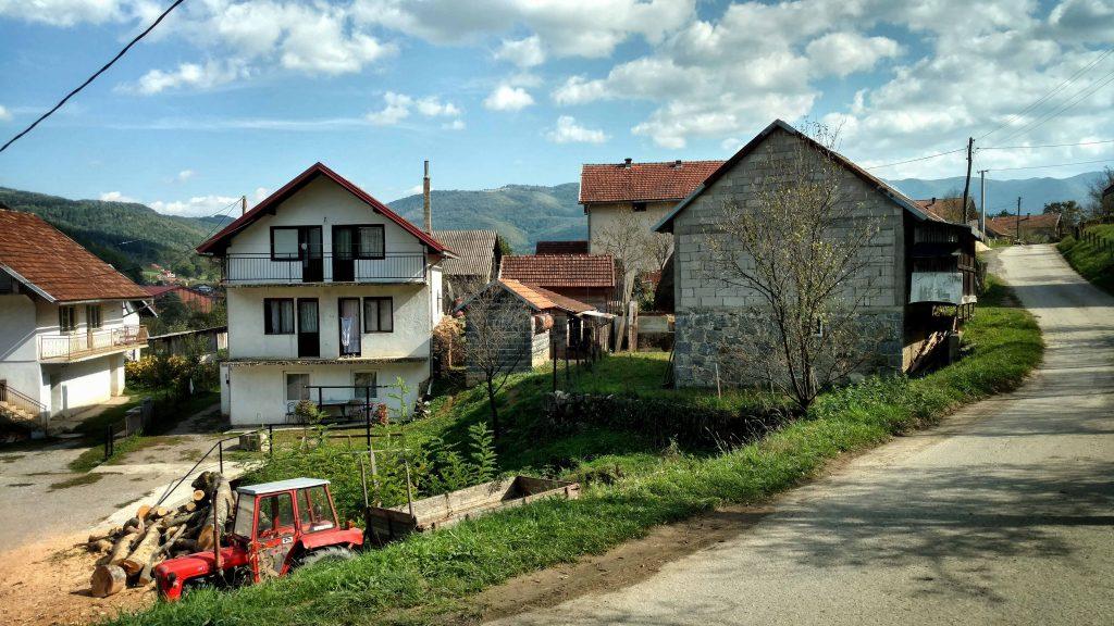 Wandelen van Ribnik naar Zelenkovac