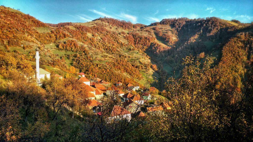 Gladovići, dorpje in de heuvels van Bosnië en Herzegovina