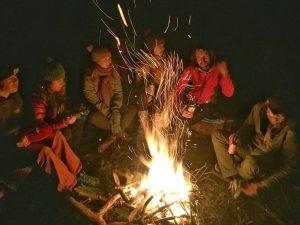 Om het vuur | Wildkamperen op de paalkampeerplaats bij Austerlitz