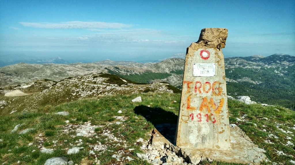 Bovenop de berg Troglav   Kroatië