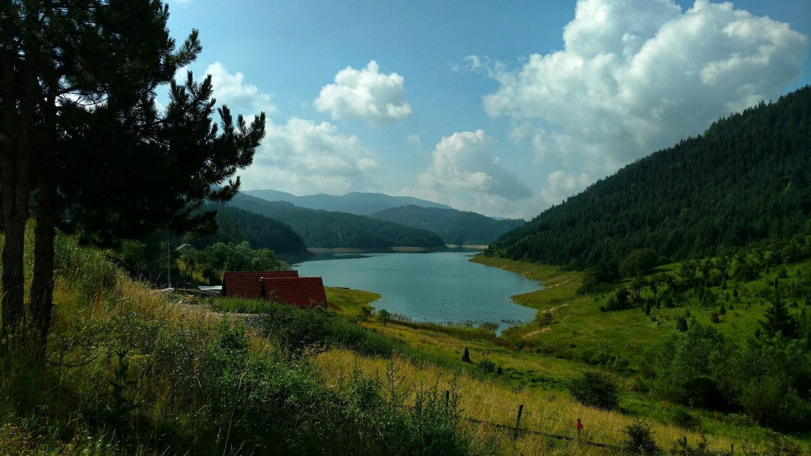 BLOG | Tara trekking: views, selfie-stick-toeristen, modderpaden en beren
