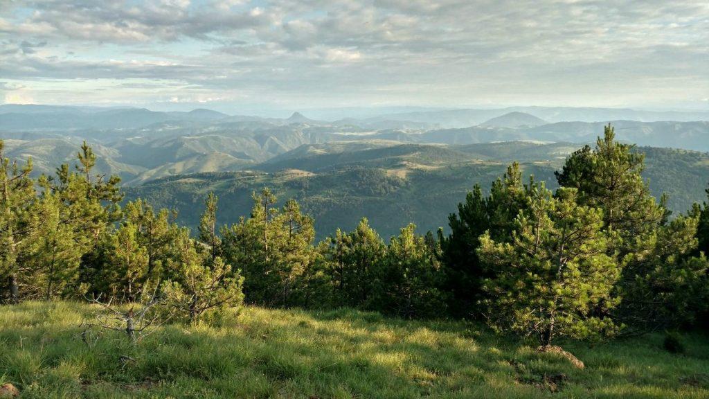 Uitzicht op meer bergen in Servië | Via Dinarica Green Trail