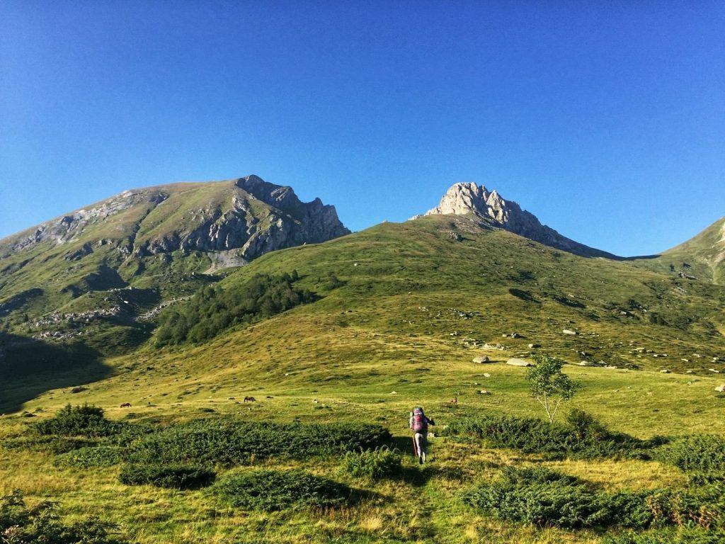 Hiking back to the Transferzala, Shar Mountain