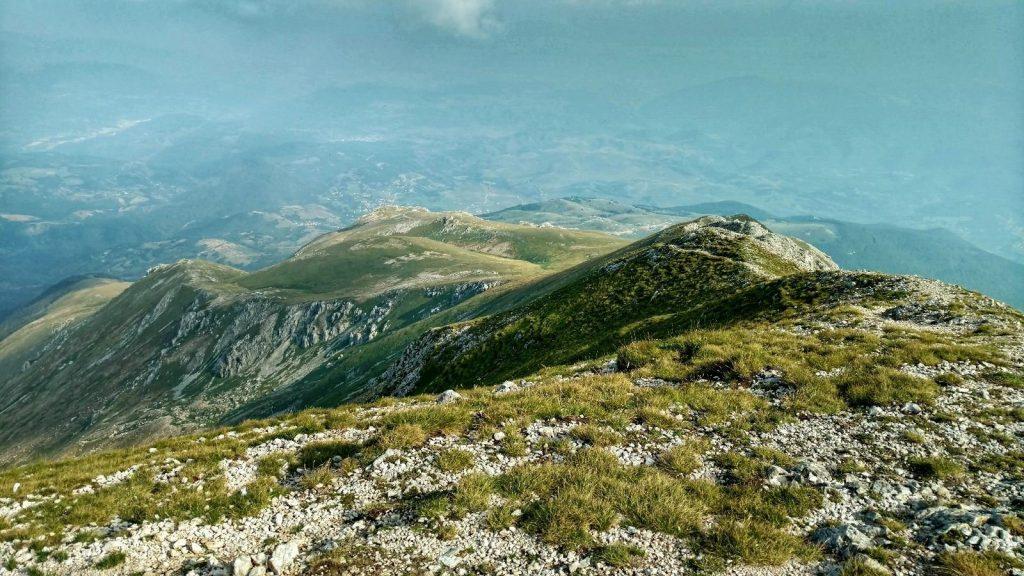 Uitzicht op Noord Macedonië vanaf de top van Ljuboten