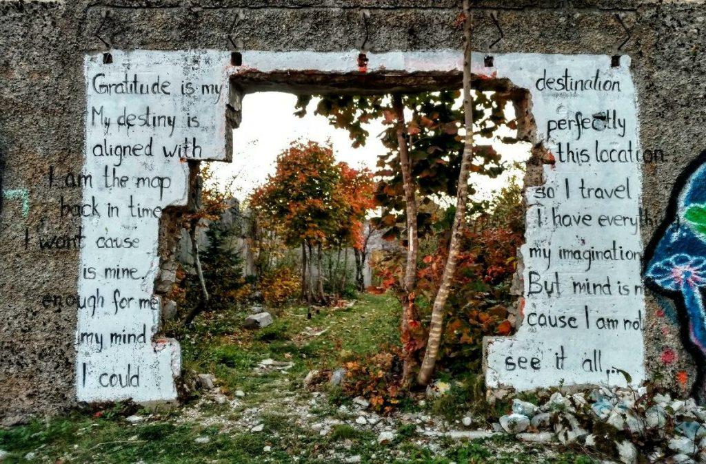 Ruine bij Crkvice | Via Dinarica Blue Trail in Montenegro