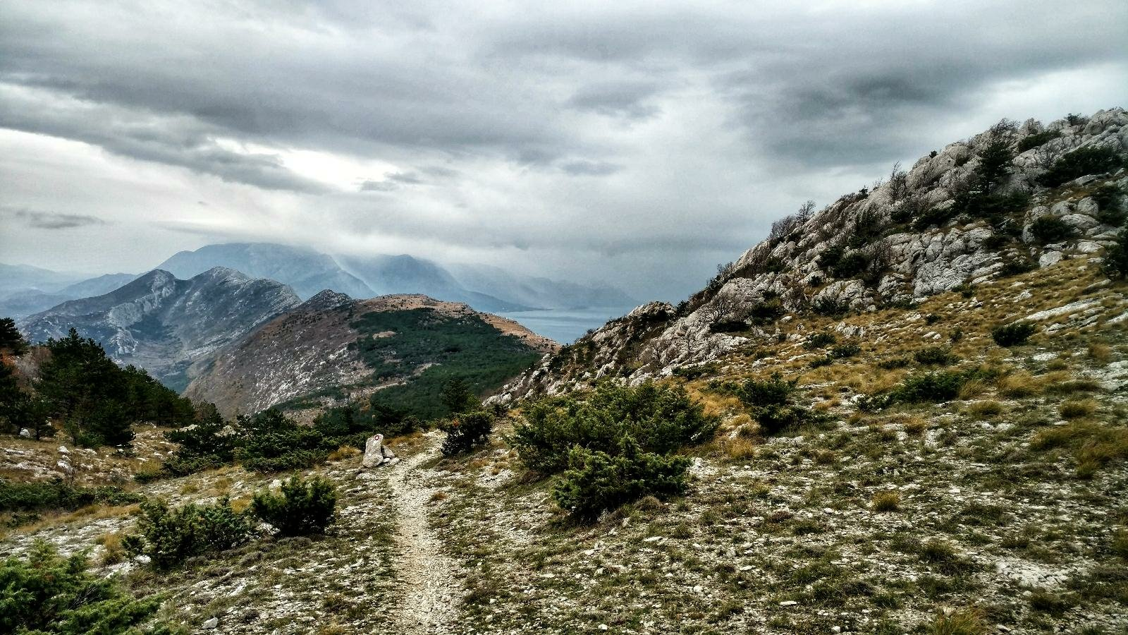 Another dream of a trail on Omiška Dinara