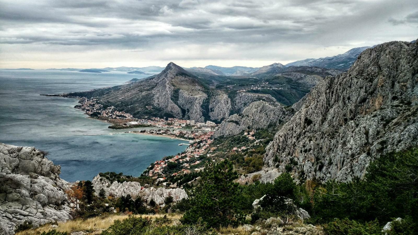 View on Omiš from Omiška Dinara