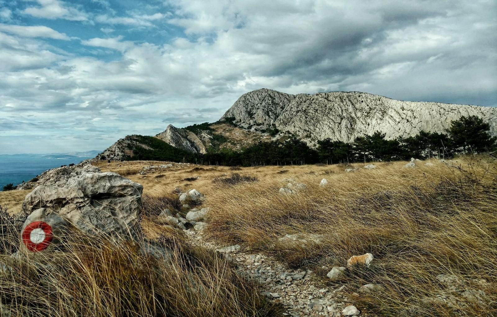 Hiking from Svinišće to Omiš on Omiška Dinara