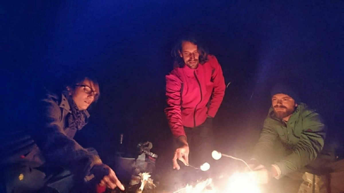 Marshmellowwing at the campfire